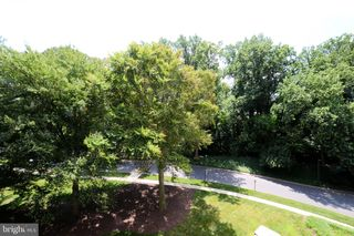 5225 Pooks Hill Rd #510S, Bethesda, MD 20814