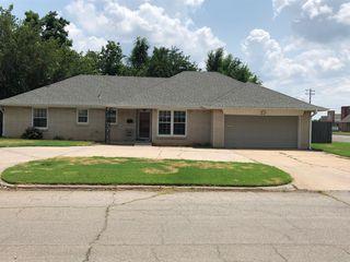 2836 Huntleigh Dr, Oklahoma City, OK 73120