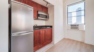 228 W 71st St, New York, NY 10023