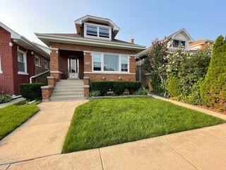 5130 W Oakdale Ave S, Chicago, IL 60641