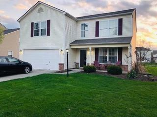 12018 Royalwood Dr, Fishers, IN 46037
