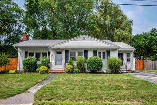 8 Bonnie Dr, Exeter, NH 03833
