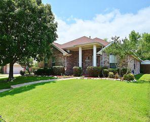 110 Forest Creek Ln, Terrell, TX 75160