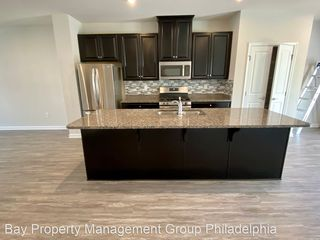 206 Bamboo Dr, Lansdale, PA 19446