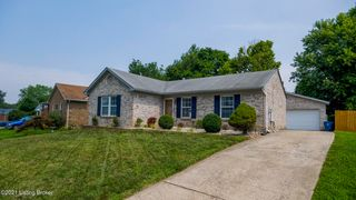 3103 Pine Trace Ct, Louisville, KY 40272