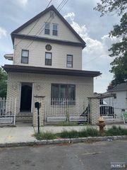 26 Quinton St, Belleville, NJ 07109