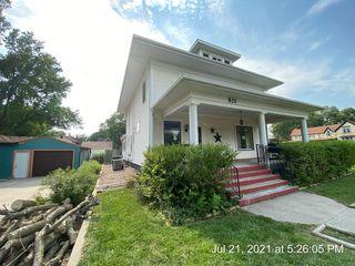 821 Garfield St, Holdrege, NE 68949