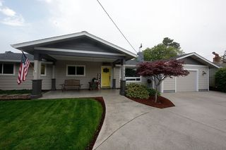 1053 8th St, Florence, OR 97439