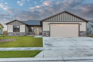 3031 Hazelnut Ln, Rapid City, SD 57703