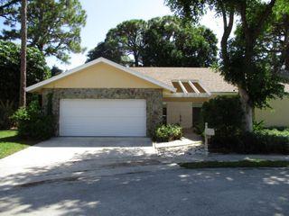 2410 NW 29th Rd, Boca Raton, FL 33431