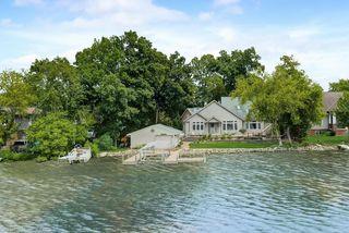 636 Oak Lodge Rd, Waterford, WI 53185