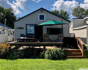 2450 Lakeside Dr, Ashville, NY 14710
