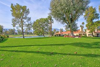 137 Racquet Club Dr, Rancho Mirage, CA 92270