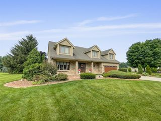 10796 Green Pl, Crown Point, IN 46307