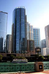 420 E Waterside Dr #2204, Chicago, IL 60601