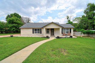 905 Bluebell Rd, Kerrville, TX 78028
