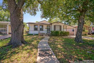 132 Golden Crown Dr, San Antonio, TX 78223