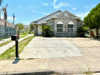 2416 Newport Ave, Laredo, TX 78043