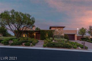 32 Midnight Ridge Dr, Las Vegas, NV 89135