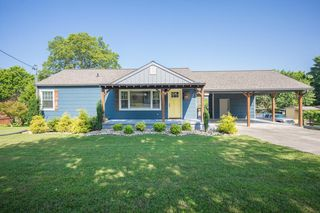 1205 Bradshaw Garden Rd, Knoxville, TN 37912