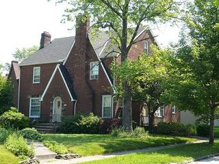 1185 Castleton Rd, Cleveland Heights, OH 44121