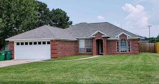 45 Lacey Dr, Hooks, TX 75561