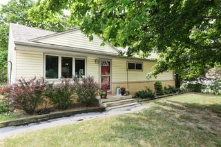 7043 W Squire Ave, Greenfield, WI 53220