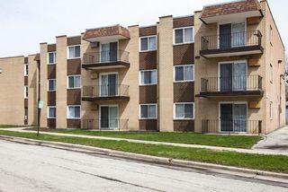 10 W 137th St, Riverdale, IL 60827