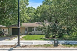 6025 Cedar Lake Rd S, Saint Louis Park, MN 55416
