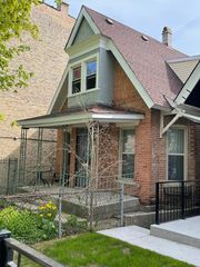 1023 S Claremont Ave, Chicago, IL 60612