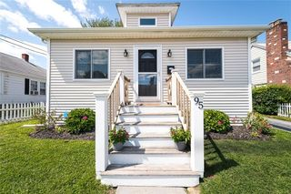 95 Vincent Ave, North Providence, RI 02904