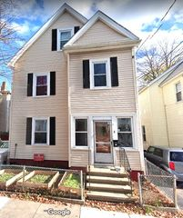 8 Perry St, Somerville, MA 02143