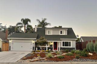 2104 Surrey Rd, Sacramento, CA 95815