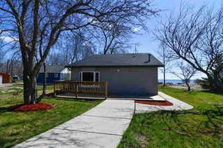 1966 Cottage Rd, Little Suamico, WI 54141