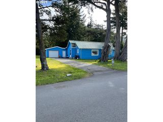 745 12th St, Port Orford, OR 97465