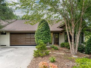 2102 Timber Pl, Asheville, NC 28804