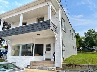 13 E College St, Fredericktown, OH 43019