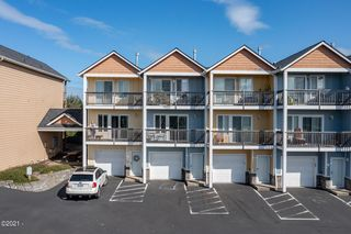 1287 NW 14th St, Lincoln City, OR 97367