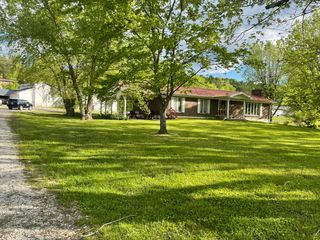 2355 Crooked Creek Rd, Irvine, KY 40336