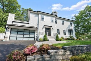 21 Louise Rd, Chestnut Hill, MA 02467