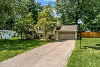 8619 Camelot Ave NW, Canal Fulton, OH 44614