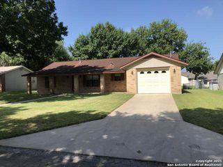 1013 Abilene St, Pleasanton, TX 78064