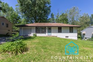 1808 N Kiger Rd, Independence, MO 64050