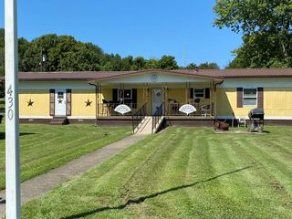 430 5th St, Centertown, KY 42328