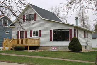 301 N Prairie St, Hendricks, MN 56136