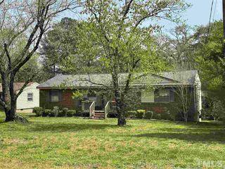 102 Deepwood Cir, Garner, NC 27529