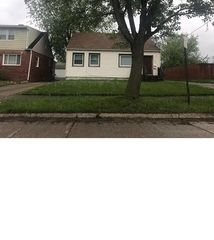 16809 Palda Dr, Cleveland, OH 44128