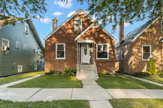 3627 N Oleander Ave, Chicago, IL 60634