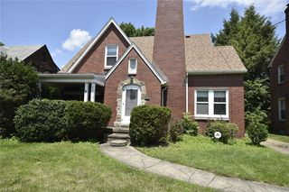 208 Berkshire Dr, Youngstown, OH 44512