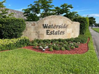 2307 Waterside Dr, Lake Worth, FL 33461